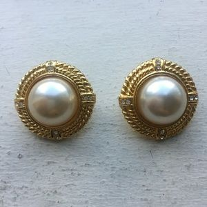 Vintage Pearl and Rhinestone Gold Clip On Earrings